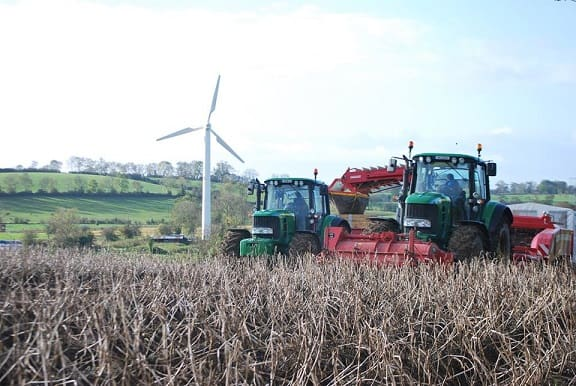 Farmers journal write about enerpowers wind turbine at meade potato company